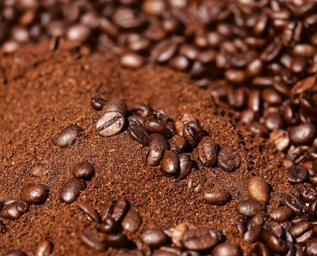 whole bean coffee vs pre-ground